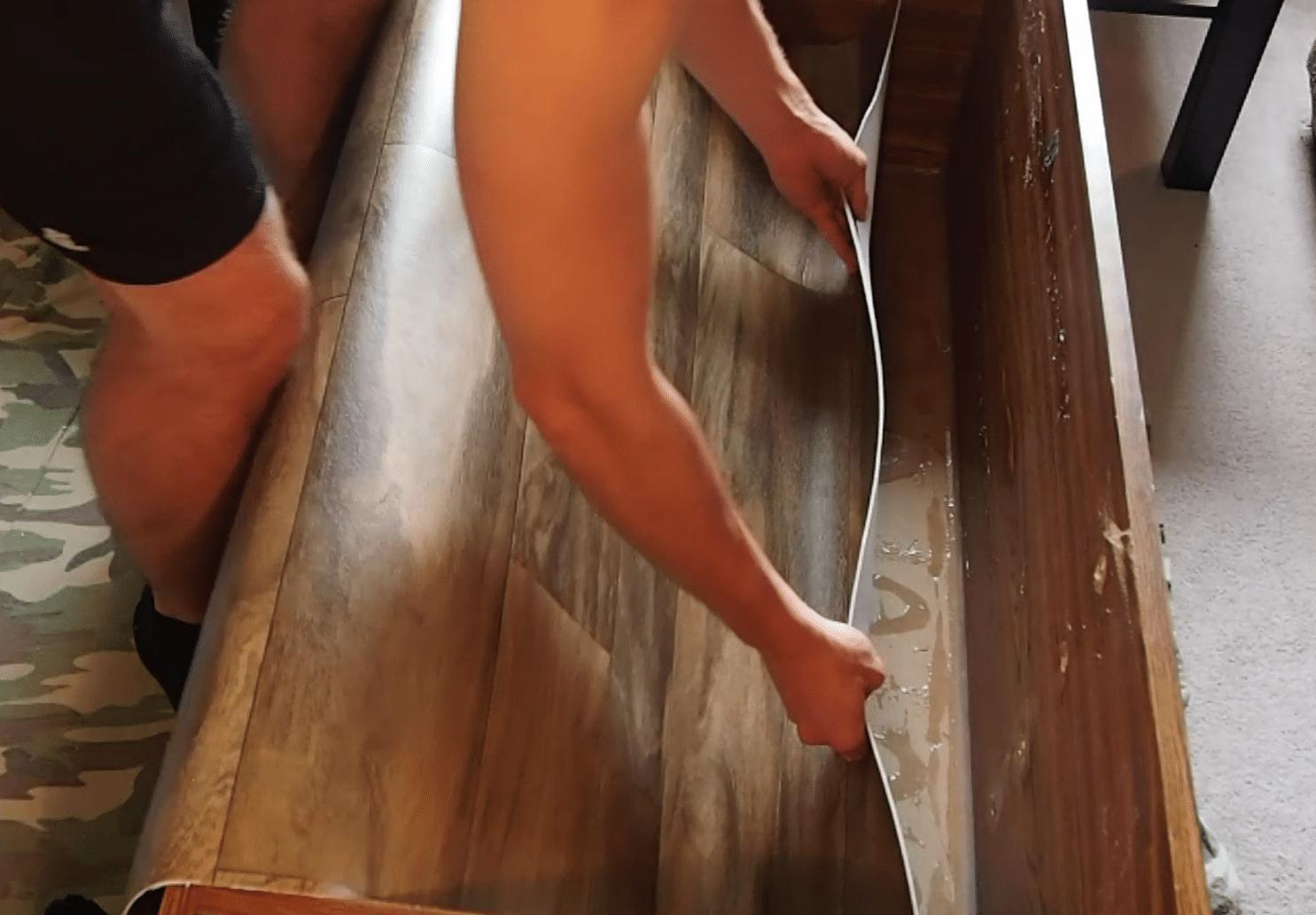 Inserting floor